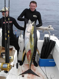 johan jacobs with a 53kg tuna shot off cape point